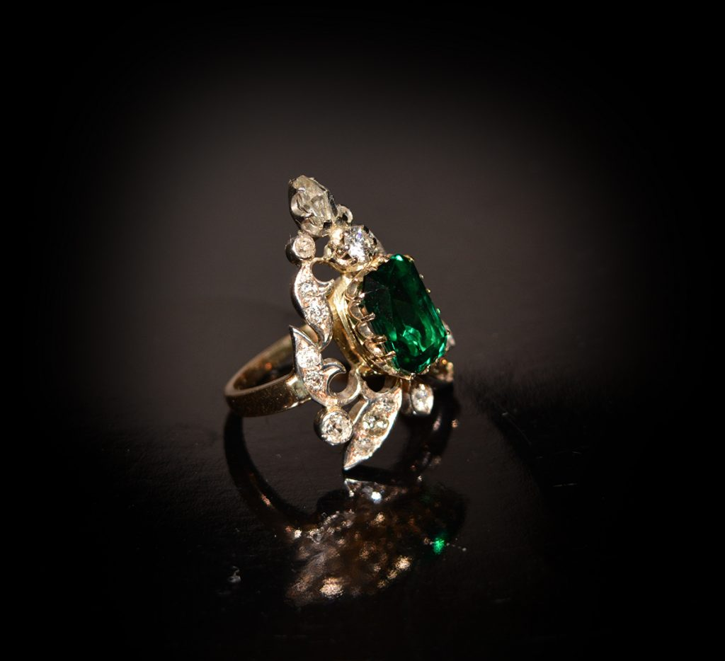 Stunning vintage emerald and gold cocktail ring £1,900.00
