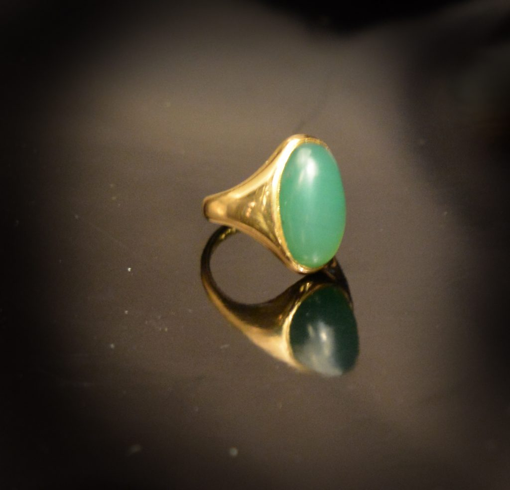 Vintage jade dress ring set in yellow gold £900.00